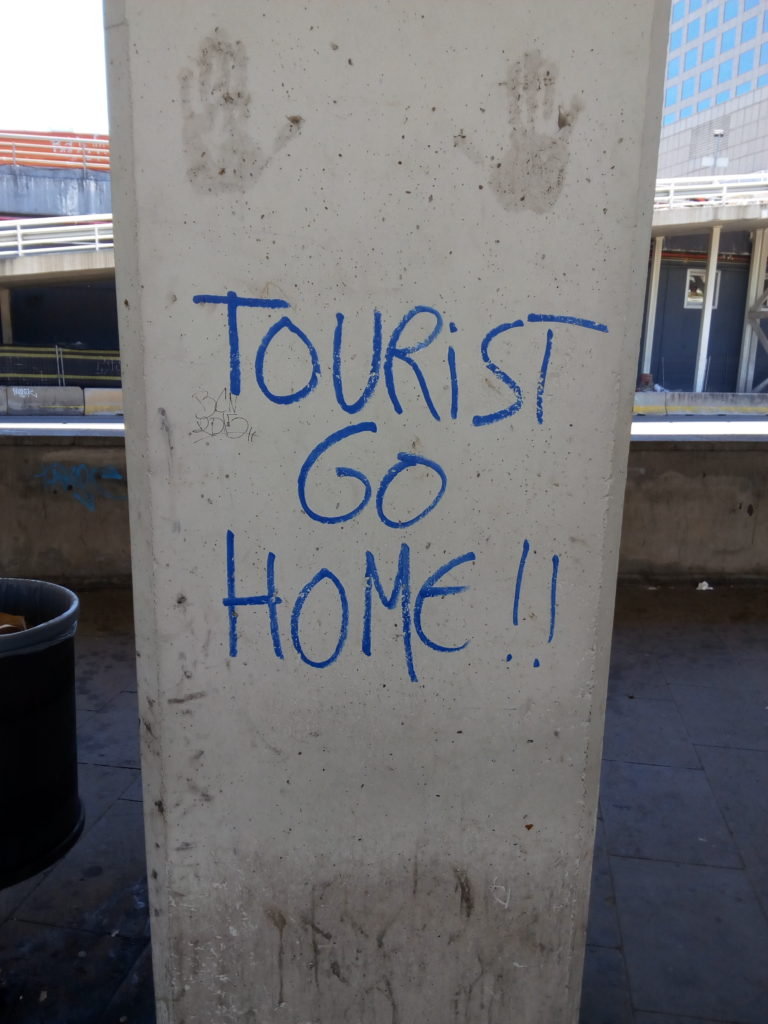 01-touristgohome